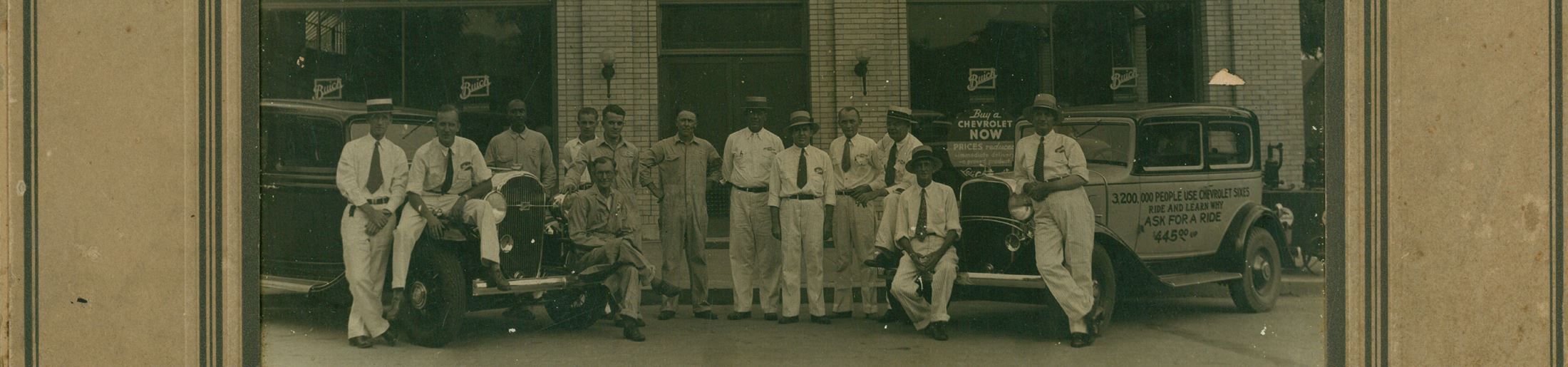 1920s auto dealership and employees